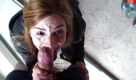 若いポルノモデルは、バスルームで男にフェラチオを与え、寝室で性交するために行きました 女性 安心 セックス 動画