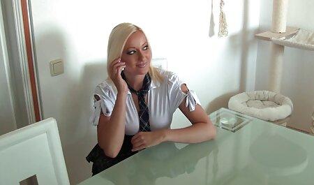 先生と一緒に寝て、難しいテストに合格する 女性 が 好む エロ 動画