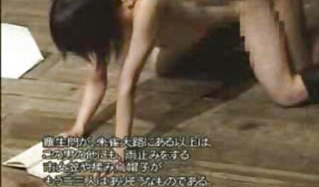 Unchained若いポルノモデル暴力的な性交とボーイフレンドの上にベッドで彼女の猫とお尻 av 無料 女 向け
