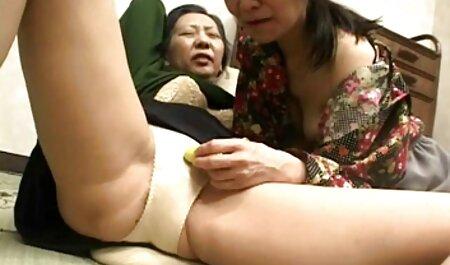 Slutty成熟したポルノモデルは、ジューシーな猫柄の後に性交したい 女性 動画 av