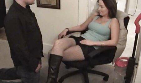 十代のポルノモデルstrokingお互いの足 女子 アダルト 画像