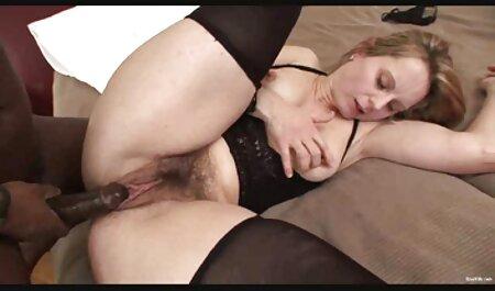 成熟したふしだらな女は、車の中で、彼女の家でパートナーと性交する準備ができてい 女性 の セックス 動画