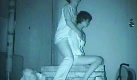 華やかな若い秘書の脱衣所で仕事 女性 エッチ 動画
