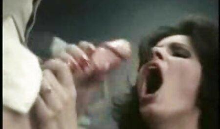 若い女の子の眼鏡は、コックを吸う、と準備ができて癌 アダルト ビデオ 女性 安心