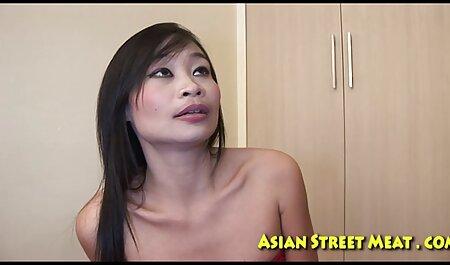 セクシー、金髪、ストリップ、ジャークオフと喜んでおしっこ 女性 セックス 動画