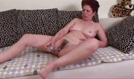 若いポルノモデル吸うと乗り物彼のコック エッチ 動画 女性