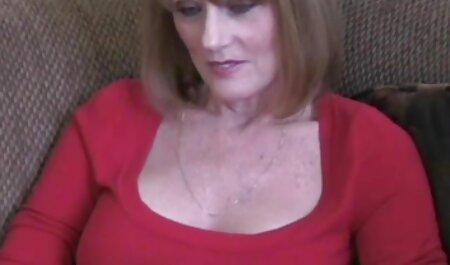 巨乳の若いレズビアンの伸びの商品の間に性 av 無料 女性