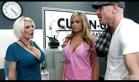 二つの成熟したpornstarsは、ベッドでエリートレズビアン弄 女性 クンニ 動画