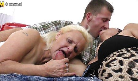 成熟したポルノモデルは、ソファ絶叫に犯さハード エッチ 女の子 無料