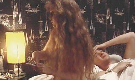 日本のふしだらな女と彼女の毛L. 動画 サンプル 女性 ホイップのグループの中心に