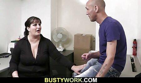 二つの成熟したポルノモデルは、ベッドの上でお互いの隣に位置し、自慰行為の猫 エッチ 動画 女性