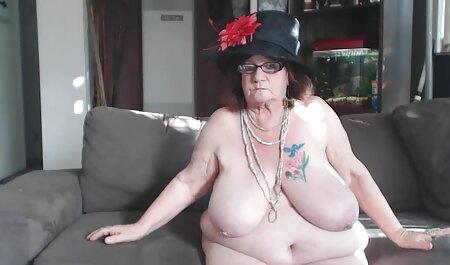 ポルノスターと彼女の肛門の穴 女性 av