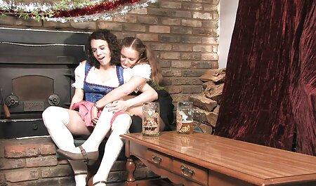 巨大なミルクを持つ成熟した女性は、stripteaseとジャークオフコックを示しています 女 の セックス 無料 動画