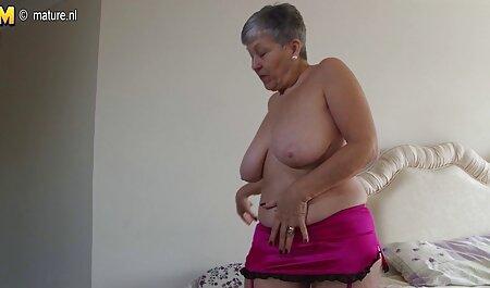 成熟したポルノスターは若い男を誘惑し、彼女の猫に彼のコックを持っています 女 エッチ 動画 無料