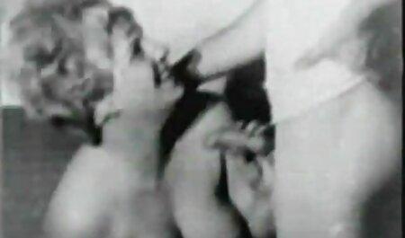 モデル、エロ、グラマーのバスルーム セックス 動画 女性 向け