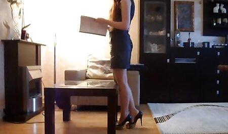 成熟した妻は彼女の夫の前で新しい男根をしようとするのが大好きです 女 の セックス 無料 動画