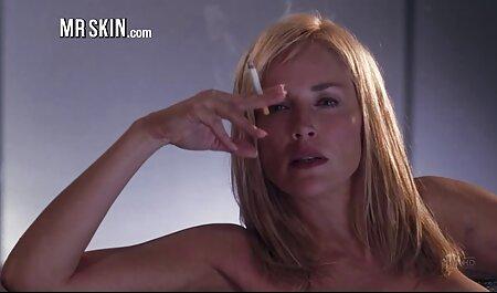 告白は彼女の胃の上に若いラティーナを置き、彼女のかわいいお尻に彼のコックを押し込んだ エッチ 動画 女の子